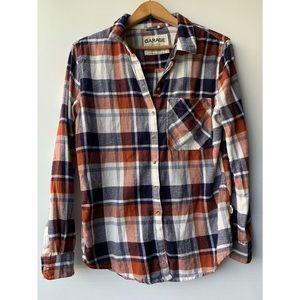 Small, GARAGE, plaid boyfriend fit button-up flannel 🌾🍂